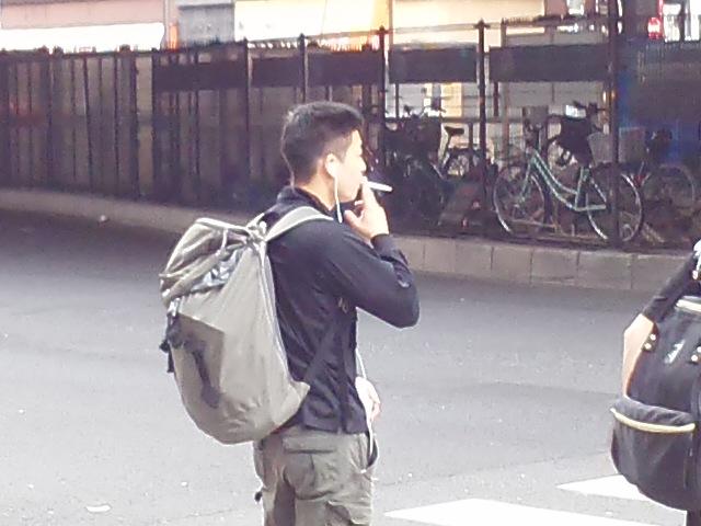 路上喫煙で発作」被害を訴えるマンガが話題に | 公益社団法人 受動喫煙 ...
